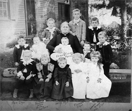 Eliza Russell Illges w/ grandchildren 1895
